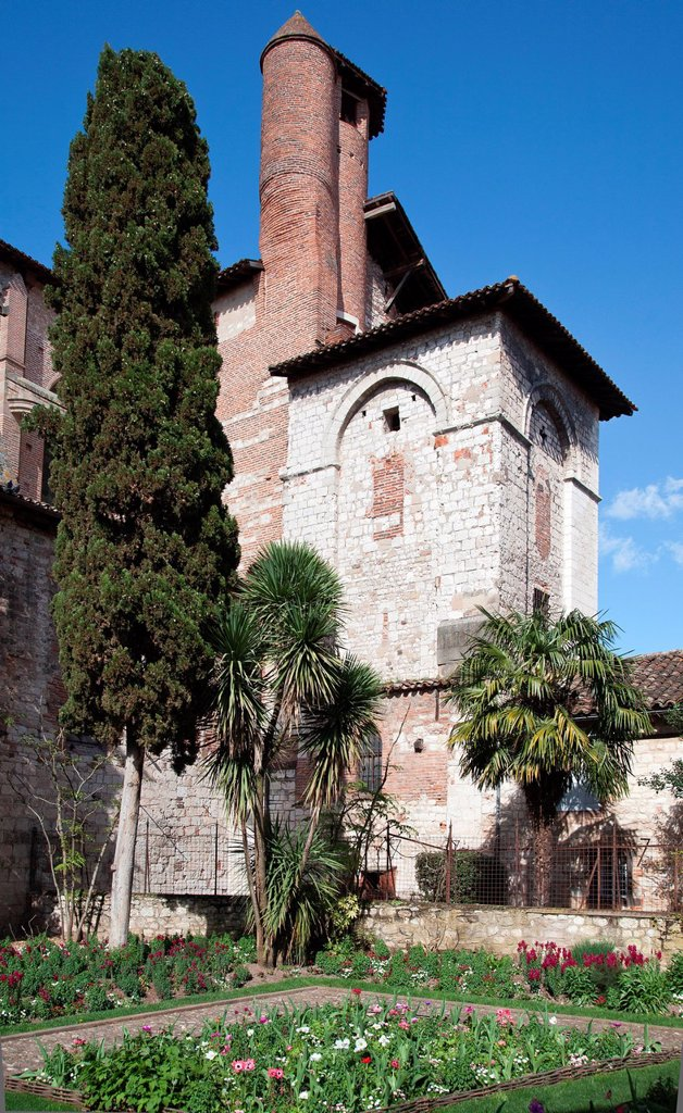 Stock Photo: 1792-139080 France, Tarn, Albi, the episcopal city, listed as World Heritage by UNESCO, the cloister garden of the Saint Salvi church