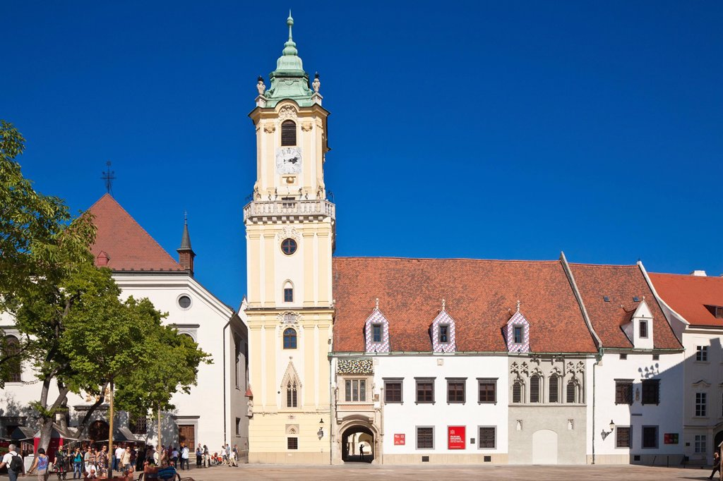 Stock Photo: 1792-139087 Slovakia, Bratislava, Historic center, main square, former city council and its tower dating from the 14th century, but modified in 1733, a building that now hosts the Bratislava City Museum
