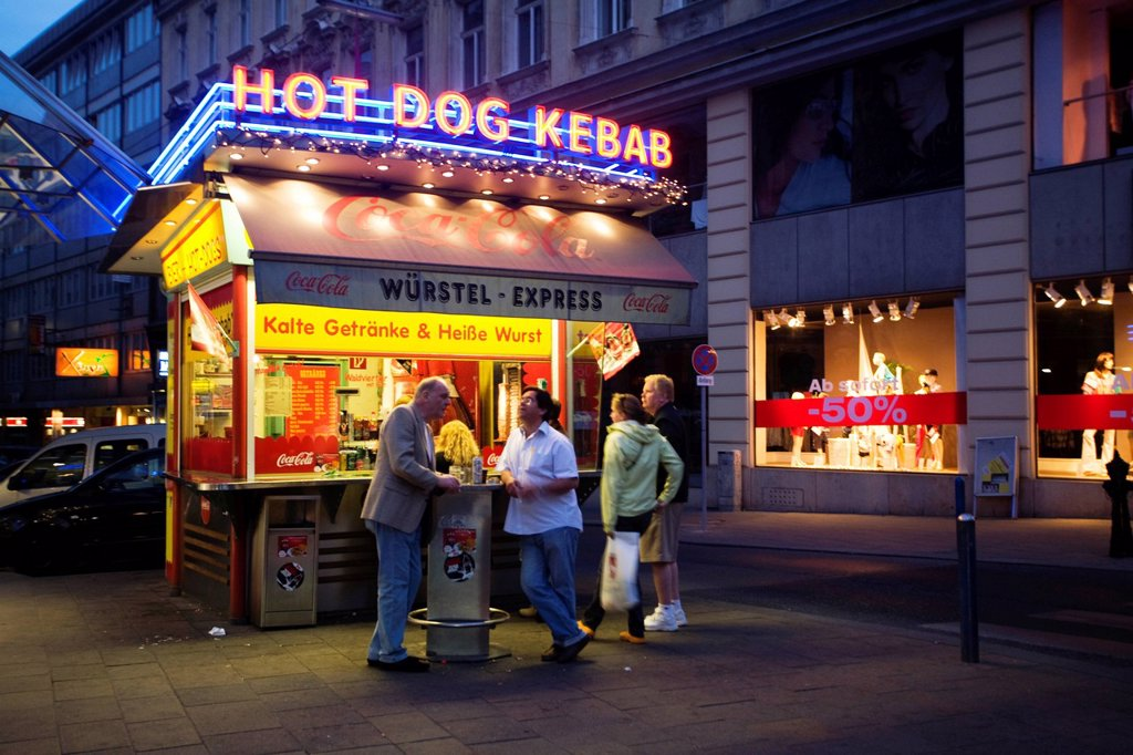 Stock Photo: 1792-140400 Austria, Vienna, sausage seller