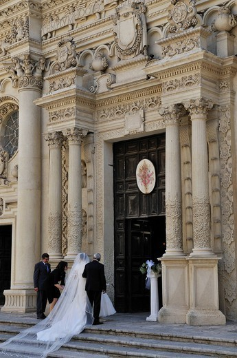 Italy, Puglia, Lecce, Santa Croce basilica, wedding : Stock Photo