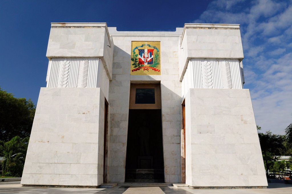 Dominican Republic, Santo Domingo province, Santo Domingo, colonial town listed as World Heritage by UNESCO, Mausoleum of the fathers of the fatherland, Altar de la Patria, Sanchez, Duarte, Mella : Stock Photo