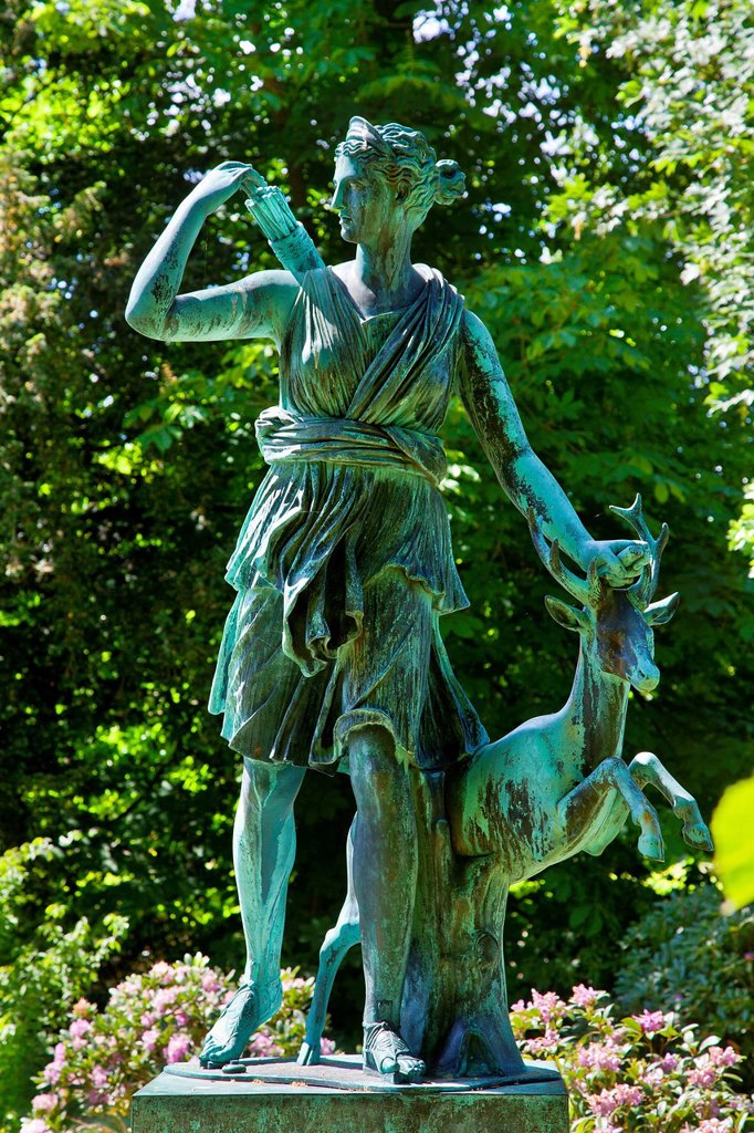 France, Yvelines, Rambouillet Castle, The French Garden, Diana huntress statue : Stock Photo