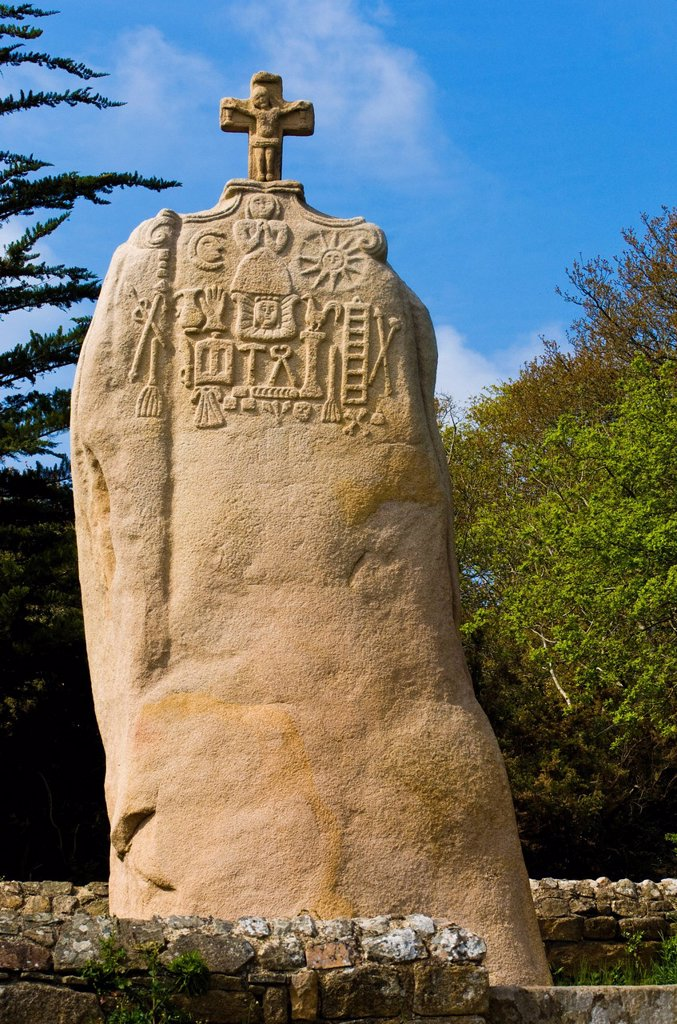 Stock Photo: 1792-146804 France, Cotes d´Armor, Cote de Granit Rose Pink Granit Coast, Pleumeur Bodou, menhir of Saint Duzec, carved during its christianisation in the XVII e century