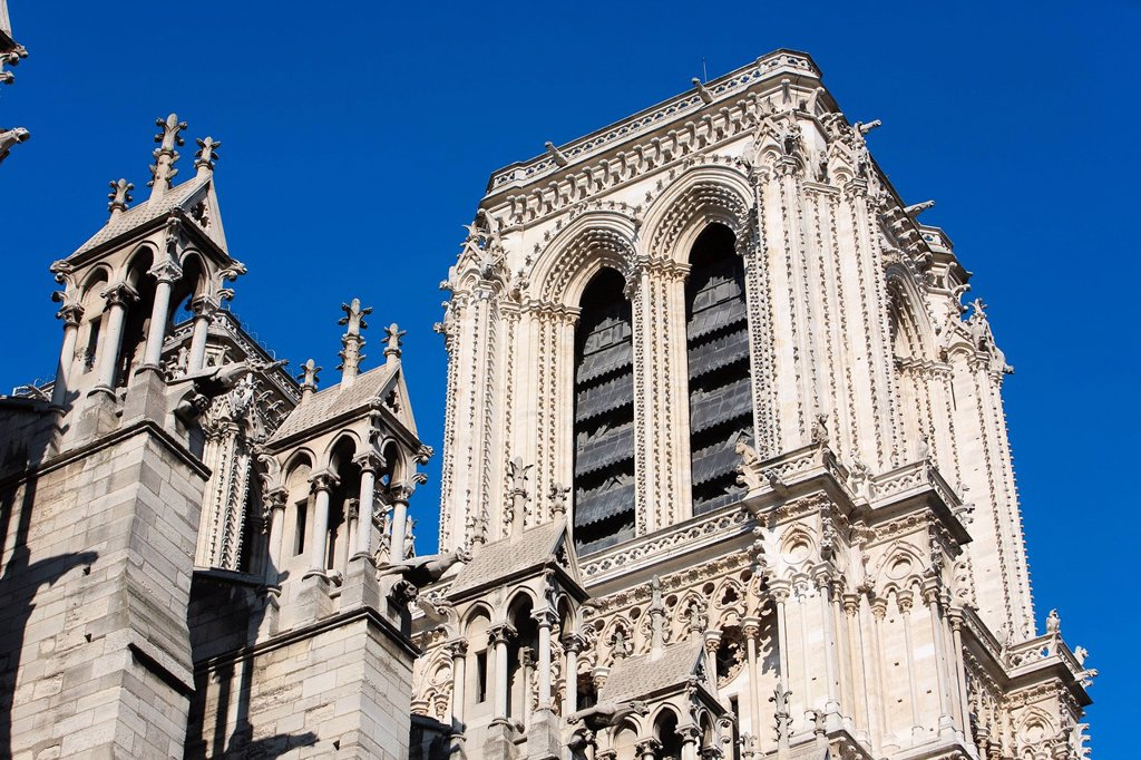 Stock Photo: 1792-148110 France, Paris, Ile de la Cite, Notre Dame Cathedral, one of the towers from the Norther facade