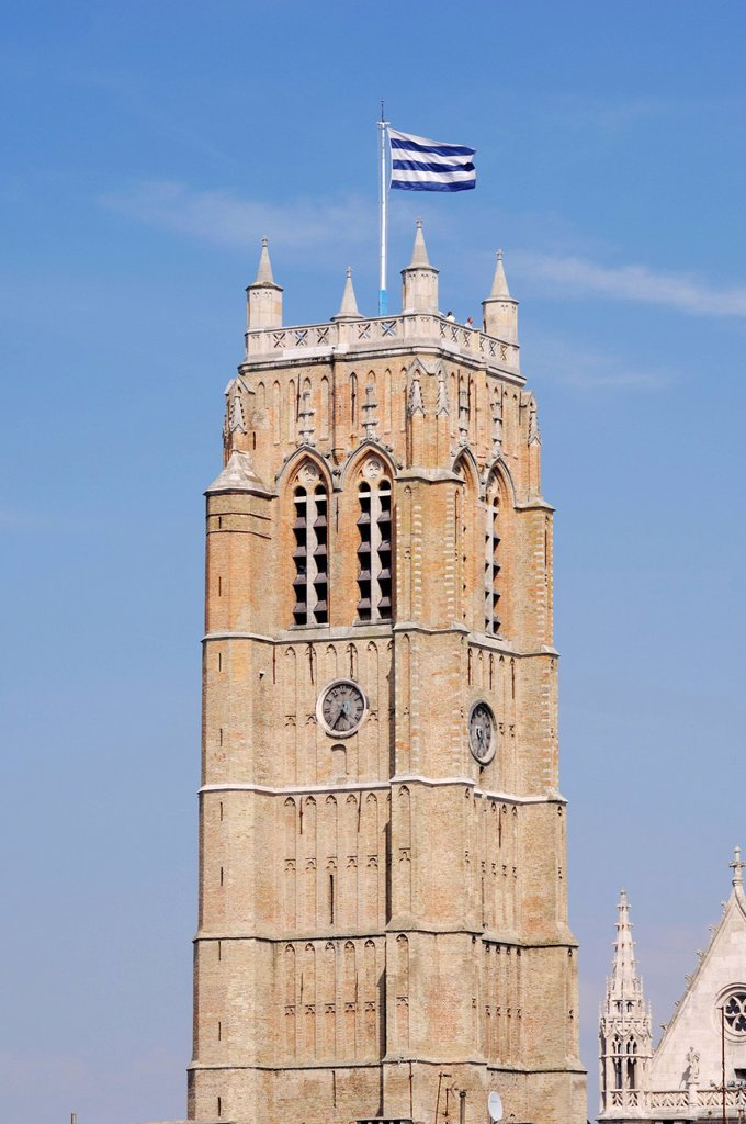 France, Nord, Dunkirk, Dunkirk belfry tower that house the tourist office of the city : Stock Photo