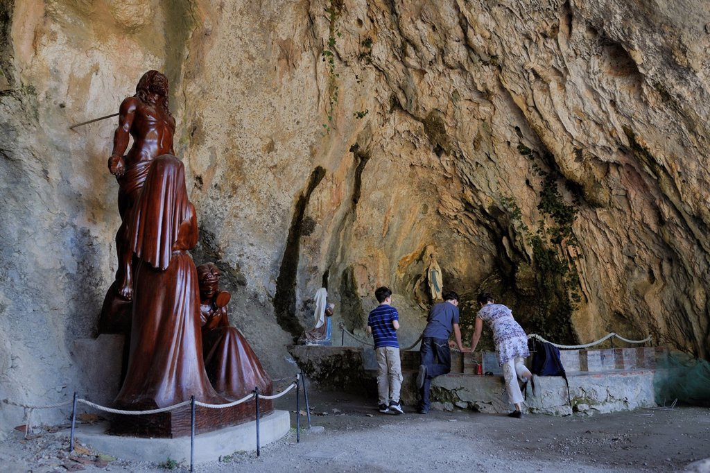 Stock Photo: 1792-148500 France, Pyrenees Orientales, Gorges de Galamus, St Antoine of Galamus hermitage, chapel housed in the natural cave