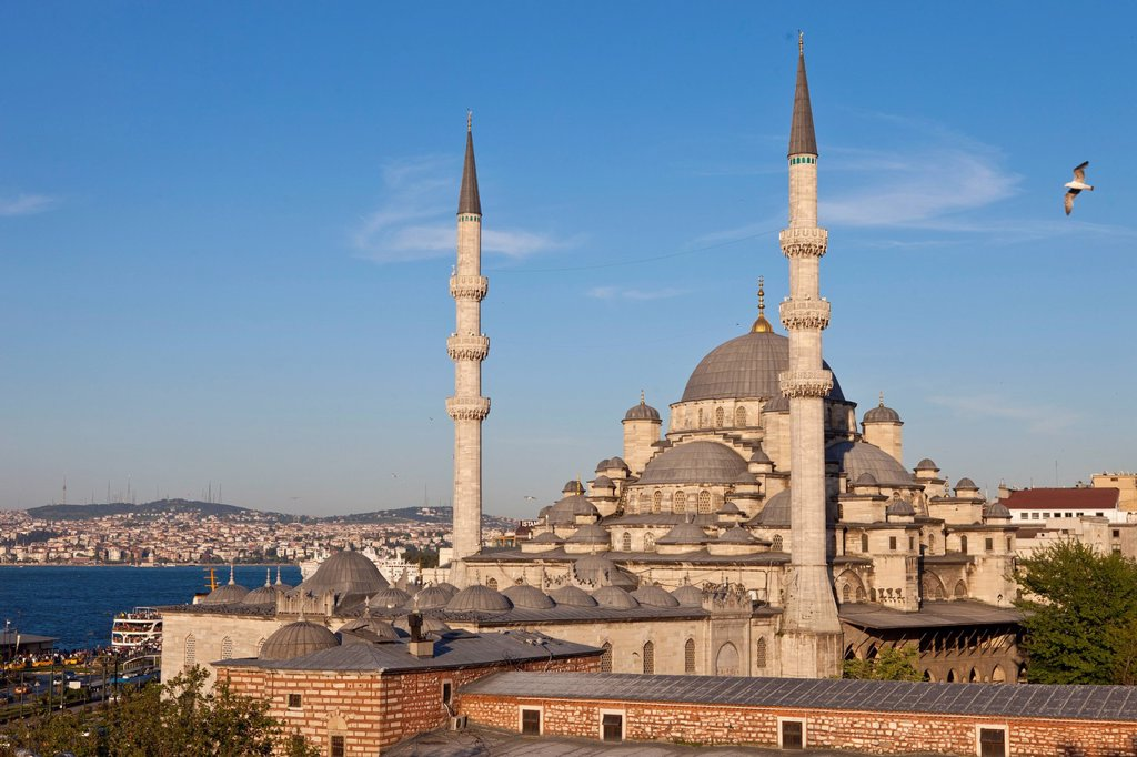 Turkey, Istanbul, historical centre listed as World Heritage by UNESCO, Eminn district, the Yeni Cami New Mosque : Stock Photo