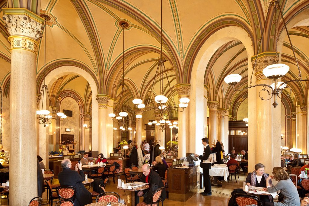 Austria, Vienna, historic center listed as World Heritage by UNESCO, Palais Ferstel, coffee Central opened in 1876 by architect Heinrich von Ferstel with welcome Tito, Freud, Lenin, Trotsky : Stock Photo