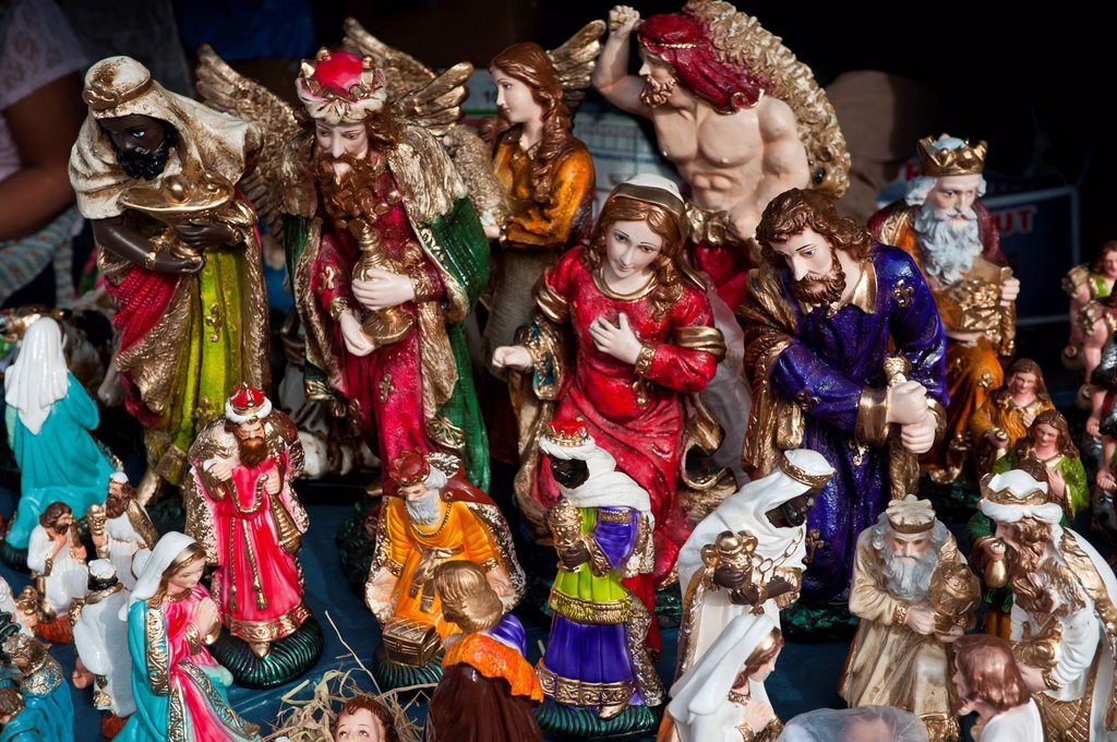 Stock Photo: 1792-151114 Peru, Cuzco Province, Cuzco, Santurantikuy, Fair of Christmas crib figures, Biblical figurines