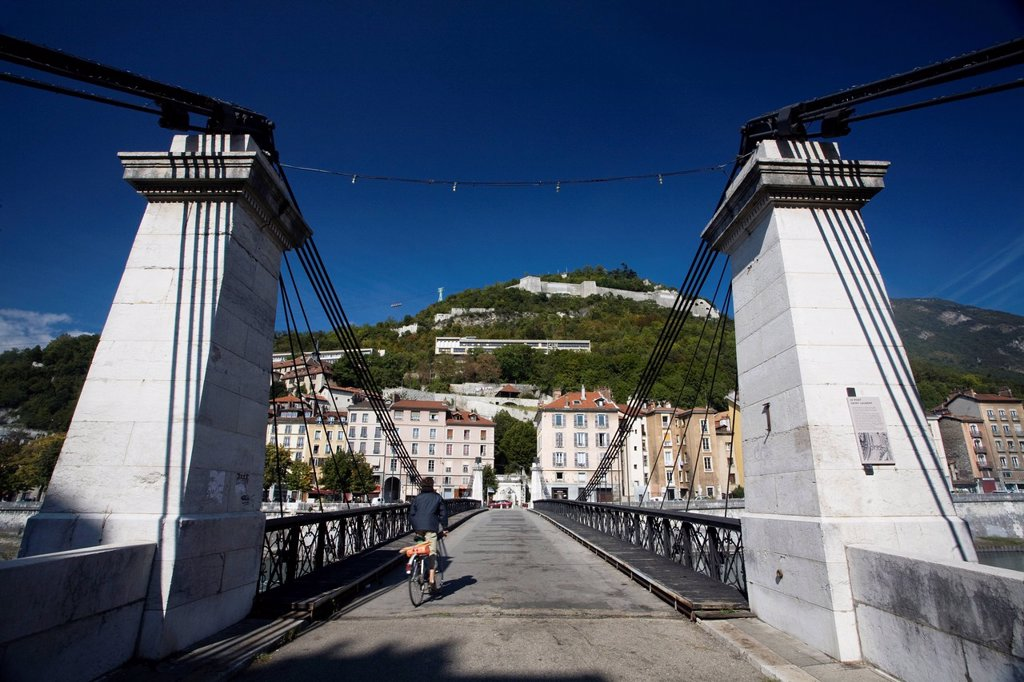 Stock Photo: 1792-151809 France, Isere, Grenoble, St. Laurent Bridge over Isere River and Bastille site