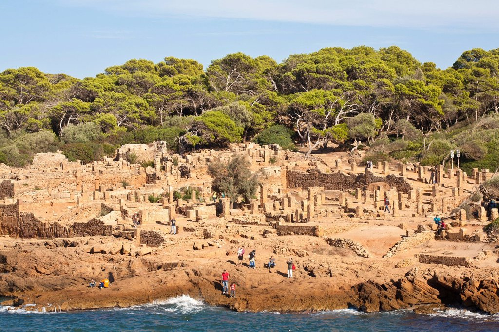 Stock Photo: 1792-152624 Algeria, Tipaza Wilaya, Tipasa of Mauretania ruins listed as World Heritage by UNESCO, old Punic trading post occupied by Rome, at the time strategic basis for the conquest of Mauritany, amphiteatre