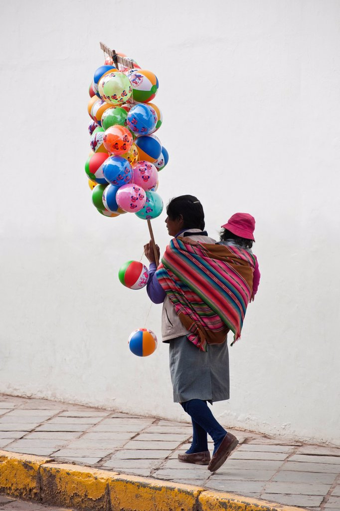 Peru, Cuzco Province, Cuzco, listed as World Heritage by UNESCO, Easter, Easter Monday, a procession of Christ on Earthquakes, black christ, patron of the city of Cuzco, balloon seller : Stock Photo
