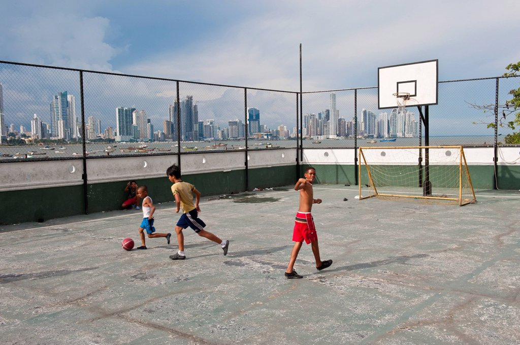 Panama, Panama City, historic town listed as World Heritage by UNESCO, Casco Antiguo, Barrio San Felipe, basketball court : Stock Photo