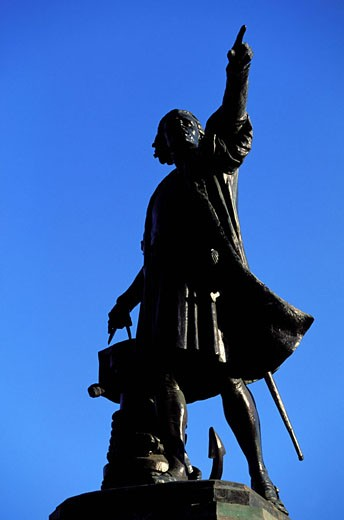 Dominican Republic, Santo Domingo, statue of Christopher Columbus : Stock Photo