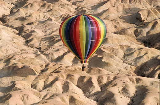 Tunisia, South Tunisia, flying over Tozeur region by hot-air balloon : Stock Photo