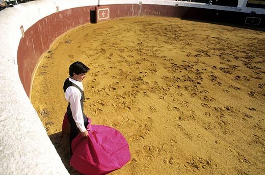 Spain, Andalusia, Los Alburejos, torero in the arena of Torrestrella ranch : Stock Photo