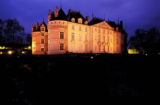 France, Sarthe (72), Lude castle by night : Stock Photo
