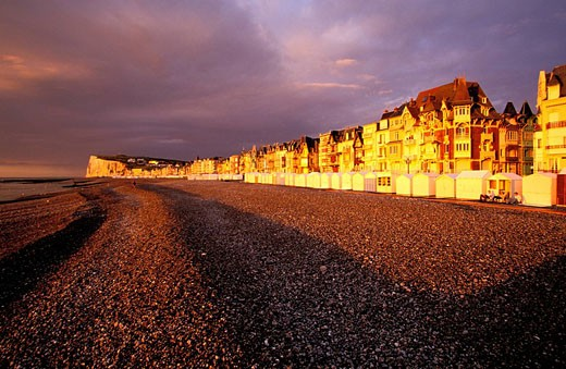Stock Photo: 1792-37946 France, Somme, Mers les Bains, sea front and pebble beach at sunset