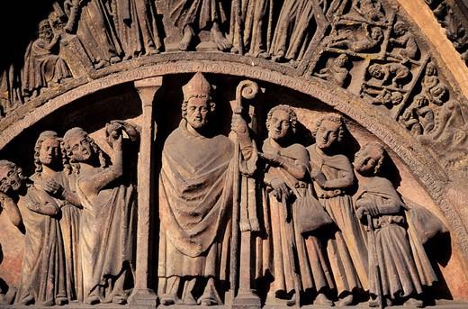 France, Haut-Rhin (68), Colmar, tympanum of Saint-Martin collegiate church : Stock Photo