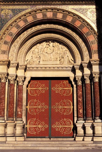 Stock Photo: 1792-40126 France, Bouches-du-Rhône (13), Marseille, Portico cathedral