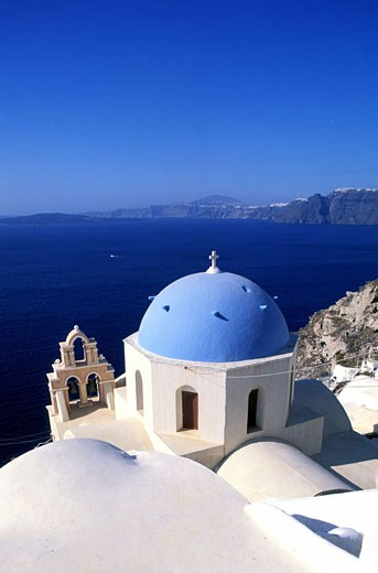Greece, Cyclades islands, Santorini island, Thira village, the cupola of an Orthodox church : Stock Photo