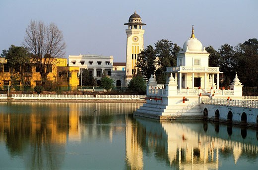Nepal, Kathmandu Valley, listed as World Heritage by UNESCO, Kathmandu, the Rani Pokhari Queen´s Pond and the clock tower : Stock Photo