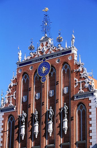 Latvia (Baltic States), Riga, the House of the Brotherhood of the Blackheads of 1344 rebuilt in 1999 : Stock Photo