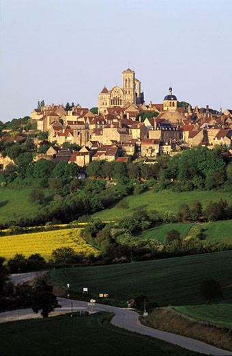 France, Yonne (89) Vézelay, Sainte Marie Madeleine basilica : Stock Photo