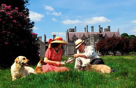 Ireland, Langford county, charming country manor, Carriglas Manor, Tea time for Jeffry & Tessa Lefroy owners : Stock Photo