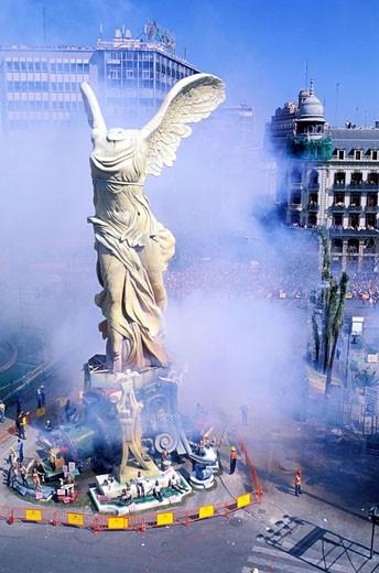 Spain, Valencia, Las Fallas (dummies stake), la Mascleta, bangers concert on Plaza del Ayuntamiento : Stock Photo