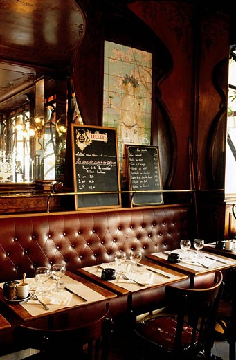 Stock Photo: 1792-48216 France, Paris, Bistro du peintre cafe with a retro deSign, in Ledru Rollin Avenue