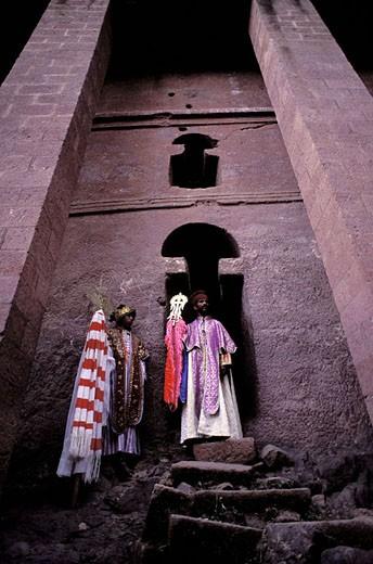 Ethiopia, region of Wollo, Lalibela, Church Medani Alem, priest : Stock Photo