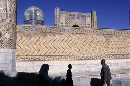 Uzbekistan, Samarkand, Bibi-Khanym mosque, named after Tamerlane´s very young Chinese wife : Stock Photo