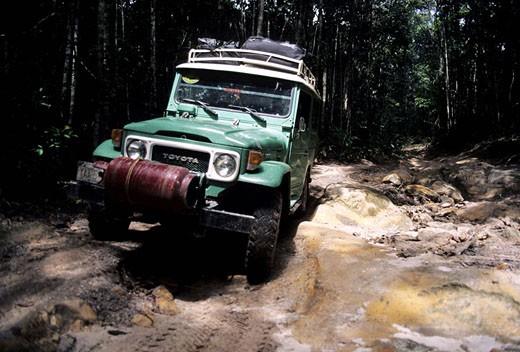 Venezuela, Santa Elena de Uairen, four wheel drive going to Polaco diamond mine : Stock Photo