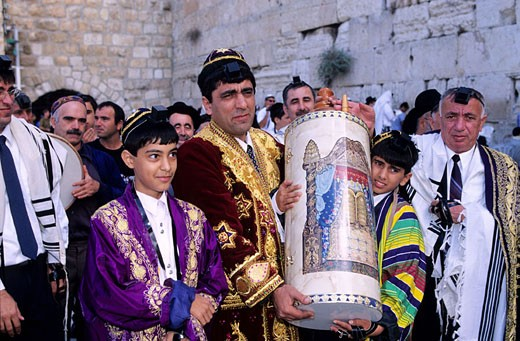 Israel, Judaea area, Old Jerusalem, the Wailing Wall, a bar Mitzvah (the Jewish Communion of the 13 years old) : Stock Photo