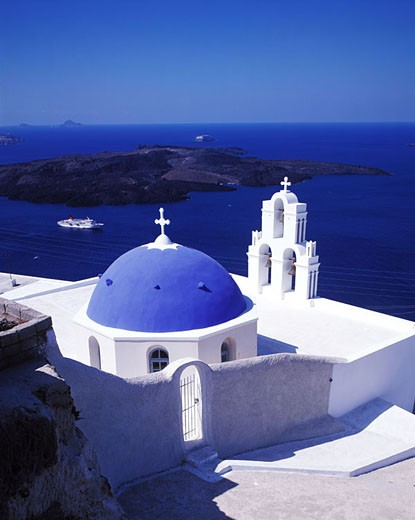 Stock Photo: 1792-51749 Greece, Cyclades islands, Santorini island, Firostefani village, perched on the top of the cliff facing the Caldeira