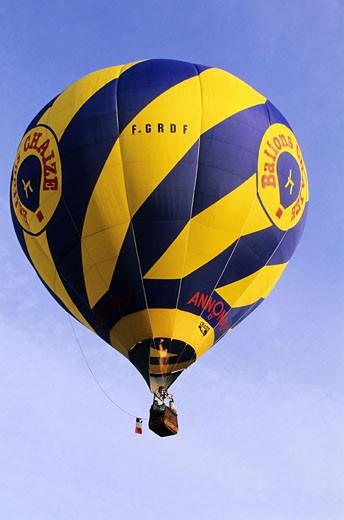 Stock Photo: 1792-52130 France, Saone-et-Loire (71), Chalon sur Saone, les Montgolfiades, annual hot-air balloon festival