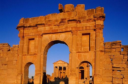 Tunisia, Sbeitla town, Roman ruins, Minerve, Jupiter and Junon temples : Stock Photo