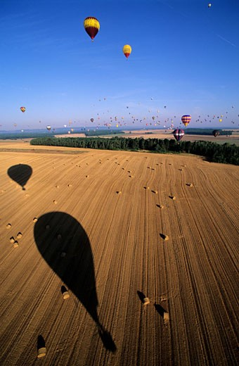 France, Meurthe et Moselle (54), hot air baloons flying during the world aerostation Biennal Mondial Air Balloon : Stock Photo