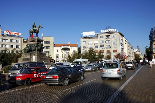 Stock Photo: 1792-54004 Bulgaria, Sofia city, Narodne Sabraniye Square, Tsar Alexander II statue