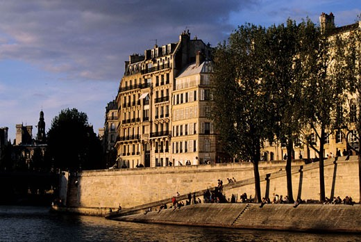 Stock Photo: 1792-58419 France, Paris (75), banks of the Seine at the headland of Ile Saint Louis