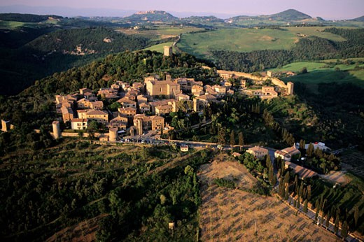 Italy, Tuscany, the Sienan countryside, aerial view of the village of Montichiello : Stock Photo