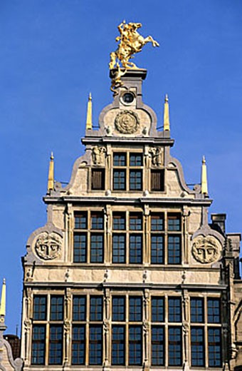 Stock Photo: 1792-62399 Belgium, Flanders, Antwerp (Antwerpen), the house called The Old Crossbow, one of the guild houses on Grote Markt (Grand Place)