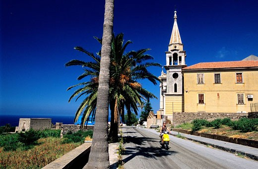 Stock Photo: 1792-63086 Italy, Sicily, Aeolian Islands, island of Salina, village of Malfa
