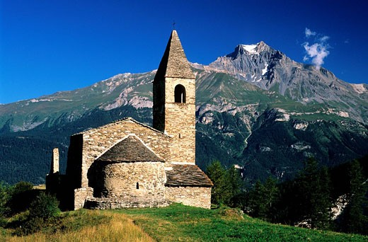 France, Savoie, Haute Maurienne Valley, 11th Century Saint Pierre d'Extravache Church, remains of Romanesque Art : Stock Photo