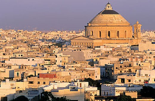Malta, Mosta and the impressing dome of its church : Stock Photo