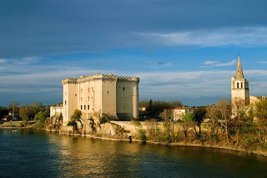 Stock Photo: 1792-66193 France, Bouches du Rhone, Tarascon, King Rene´s Castle of the 14th/15th century on the Rhone River banks