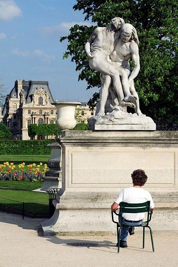 France, Paris, public garden of Ile de France facing Saint Eustache church at Chatelet : Stock Photo