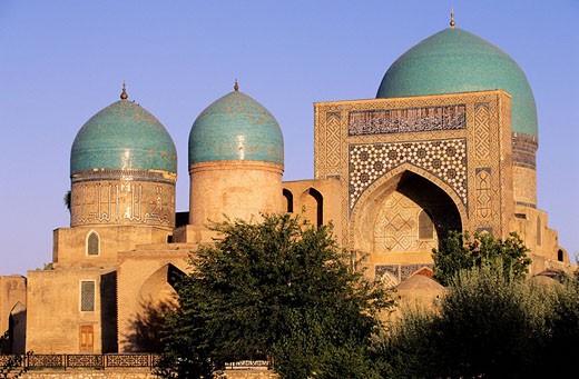 Uzbekistan, Chakhrisabz, the Dorout Tilovat Dorut Tilyovat, the mosque Kok Gumbaz and mausoleums : Stock Photo