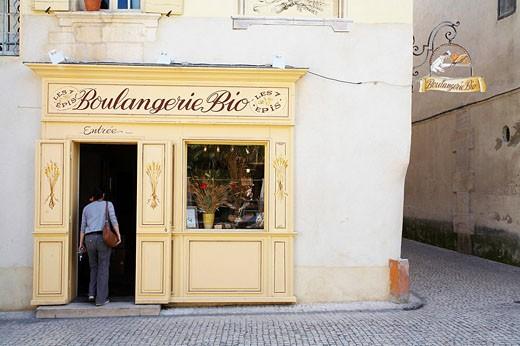 France, Bouches du Rhone, Provence, Tarascon, a bio bakery : Stock Photo